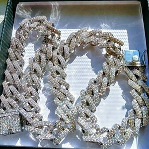 Jewelry - 18k Diamomd Cuban Link Chain